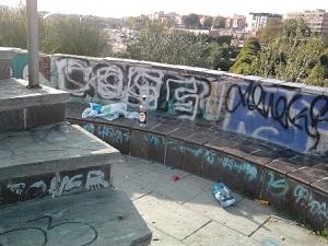 El parque del arroyo de la vega en estado lamentable for Jardin de la vega alcobendas
