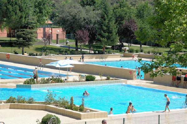 Sanse reduce un 50 precios piscinas a desempleados y sus for Piscina siglo xxi